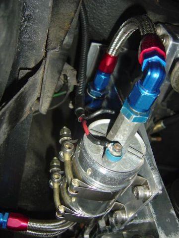 Ma 260Z 2+2 swap V8 - Page 4 Med_Fuel_System