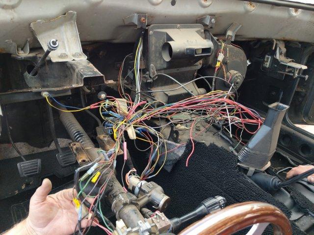 wiring.thumb.jpg.175fe555a222f46b45ccc1bf2f11ea6a.jpg