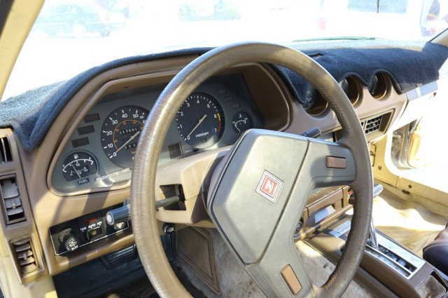 driver interior.jpg