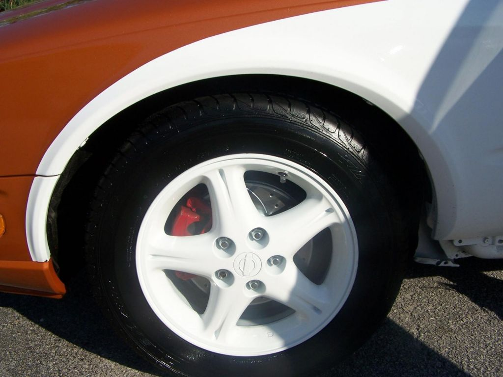 Infiniti_left_front_wheel