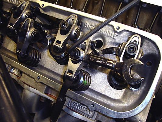 setting the valve lash