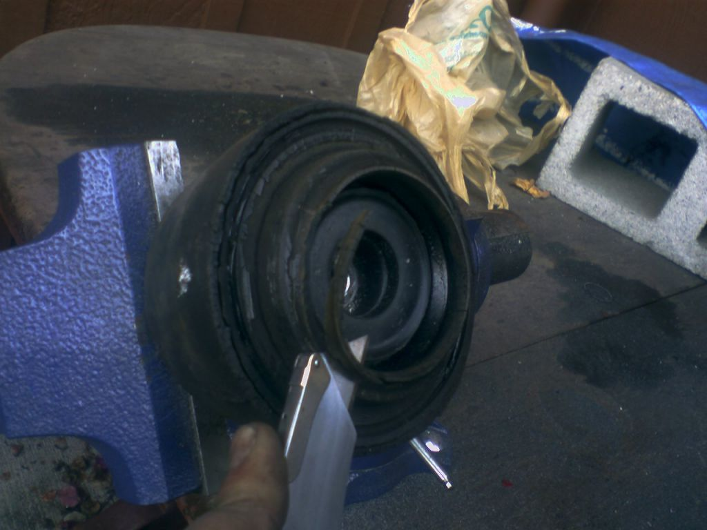step16-trim-rubber.jpg
