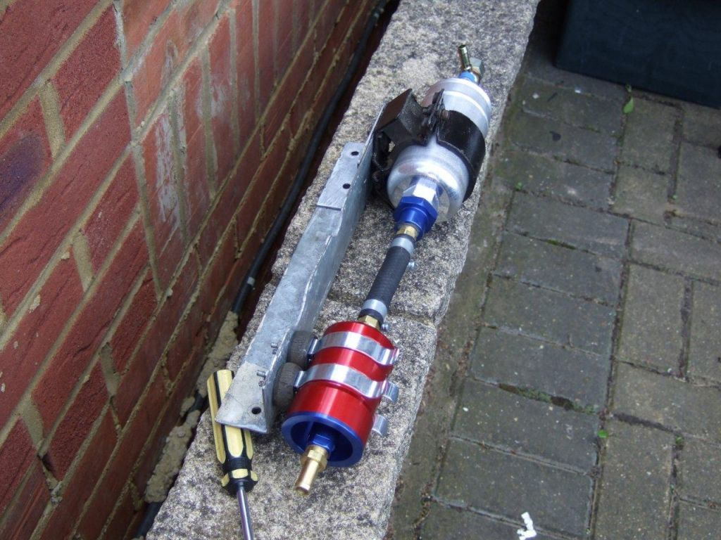 Bosch fuel pump and filter mount