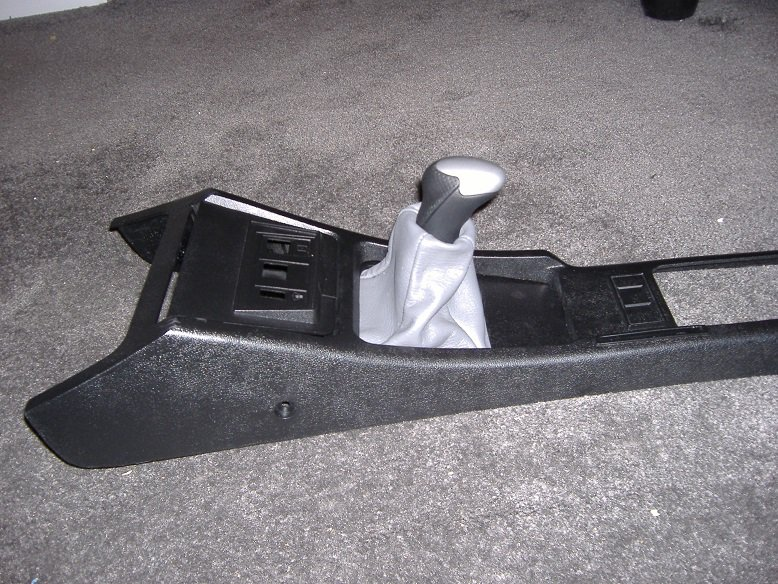 T5 SHIFTER BOOT AND CONSOLE.JPG